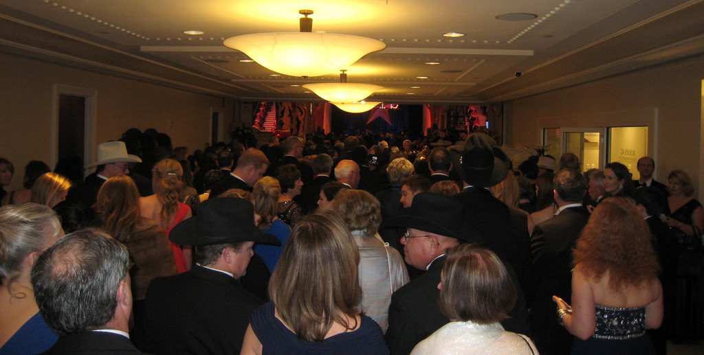 Crowd making their way into the Gaylord National hotel for the ball