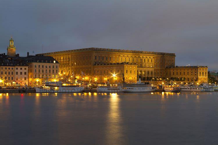 800px-Royalpalace_Stockholm
