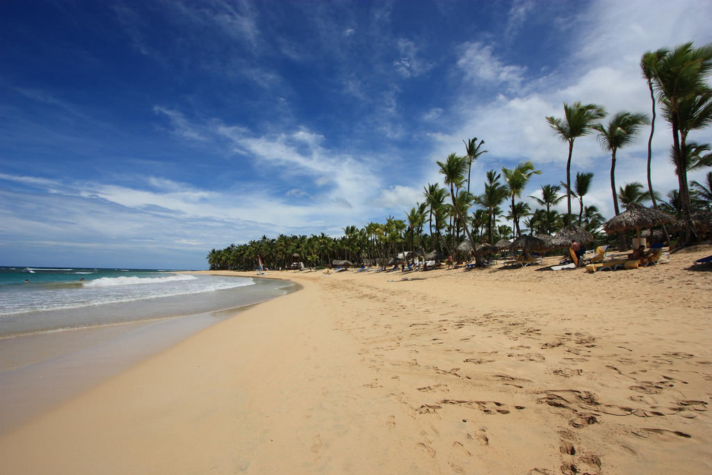 Most Romantic Honeymoon Hotels With Beach Activigir