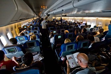 1024px-British_Airways_747-400_World_Traveller_cabin