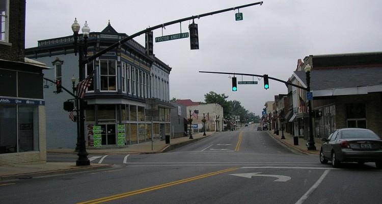1024px-Downtown_Lebanon,_Kentucky