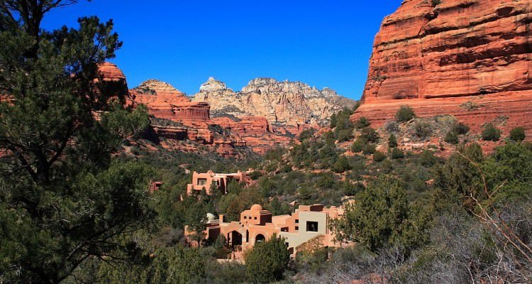 1024px-Enchantment_Resort_near_Sedona